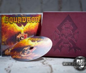 SQUADRON - THE FLAME STILL BURNS - LEDERHÜLLE